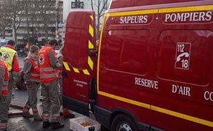 Une fillette de 7 ans a été secourue mercredi après sa chute de la fenêtre d'un appartement au troisième étage en Seine-et-Marne (Illustration).
