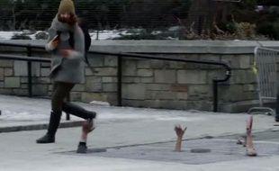 AMC a caché des zombies sous les rues de New-York pour promouvoir la saison4 de Walking Dead.