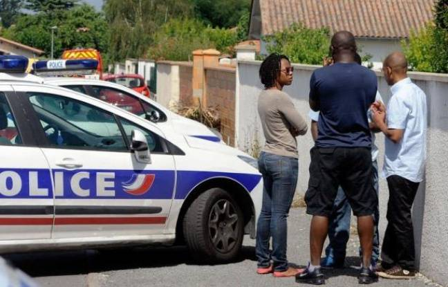 La thèse accidentelle était privilégiée mercredi pour expliquer la mort de deux cousins de 7 ans retrouvés noyés dans une piscine d'Eysines (Gironde) appartenant à la maison où leur disparition avait été constatée trois jours avant, alors qu'auditions et analyses se poursuivaient.