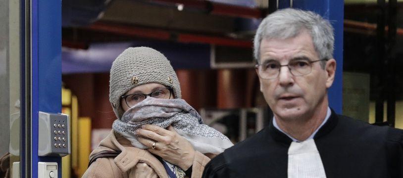 Brigitte Gruel derrière son avocat, Me Frank Natali.