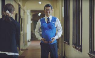 Capture d'écran de la vidéo réalisée pour sensibiliser les hommes japonais au partage des tâches.