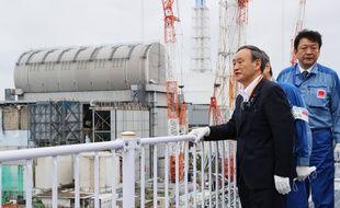 Le nouveau premier ministre japonnais Yoshihide Suga, à la centrale de Fukushima.
