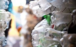 Illustration: des déchets en matière plastique.