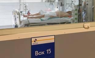 Un patient atteint du Covid-19 en réanimation à la Timone à Marseille
