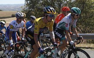 Primoz Roglic (au premier plan) et Julian Alaphilippe (au second) lors de la 7e étape du Tour de France, le 4 septembre 2020.