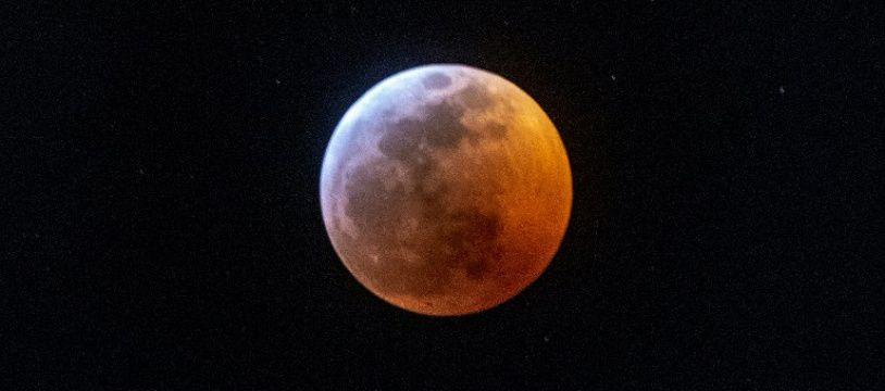La Super Lune durant l'éclipse totale, le 20 janvier 2019, à Miami aux Etas-Unis.