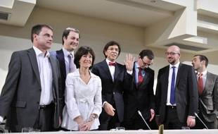 Après 535 jours de crise politique, les six partis belges engagés dans les négociations ont conclu mercredi soir un accord de principe ouvrant la voie à la formation d'un gouvernement dirigé par le socialiste francophone Elio Di Rupo, selon une source proche des négociations.