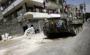 Trois civils, dont un adolescent, ont été tués jeudi par les tirs des forces de sécurité dans les régions de Homs (centre) et Deraa (sud), deux fiefs de la contestation contre le régime du président syrien Bachar al-Assad, ont annoncé des militants