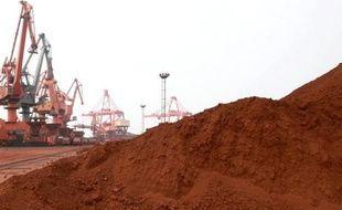 Une maison de commerce japonaise a annoncé mercredi des négociations avec une firme minière australienne pour importer d'Australie l'équivalent d'un tiers des besoins annuels de terres rares du Japon, un projet qui réduirait la dépendance du Japon vis-à-vis de la Chine.