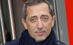 Gad Elmaleh pendant la fashion week de Paris le 2 mars 2020