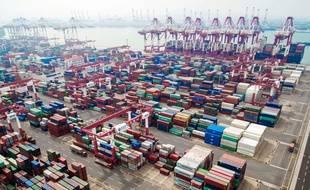 Le port de Qingdao en Chine.