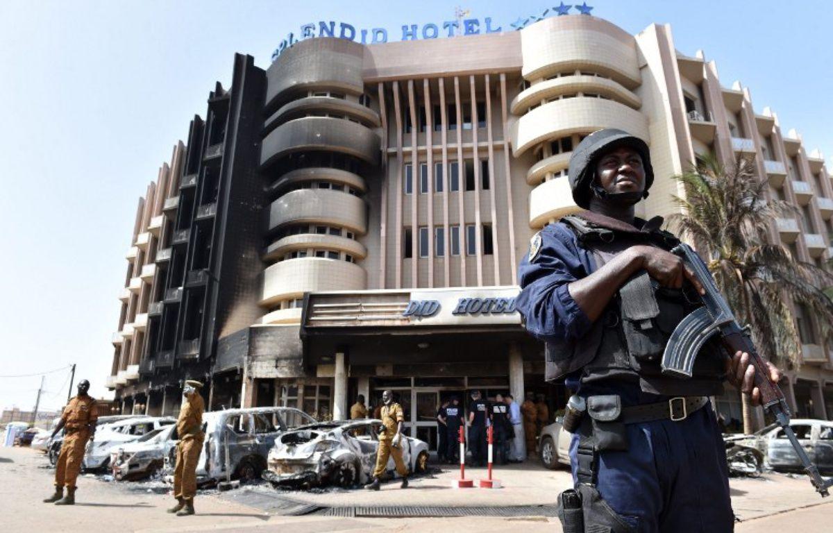 L'hôtel Splendid, à Ouagadougou (Burkina Faso), a été visé par une attaque terroriste le 15 janvier 2016, revendiquée par le groupe djihadiste Aqmi. – ISSOUF SANOGO / AFP
