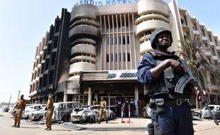 L'hôtel Splendid, à Ouagadougou (Burkina Faso), a été visé par une attaque terroriste le 15 janvier 2016, revendiquée par le groupe djihadiste Aqmi.