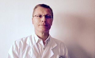 Le Pr Defebvre, responsable du centre Expert Parkinson au CHRU de Lille