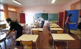 Une voiture-bélier a été lancée dans la nuit de samedi à dimanche contre l'entrée d'une école élémentaire d'un quartier périphérique de Toulouse, provoquant d'importants dégâts dans plusieurs classes, a-t-on appris lundi auprès de l'Inspection académique de la Haute-Garonne