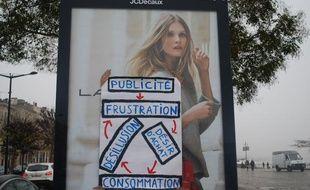 Affiche anti-pub à Bordeaux