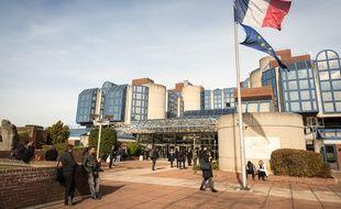 Le 23 octobre, à Bobigny (Seine-Saint-Denis). Le parvis du palais de justice de Bobigny.