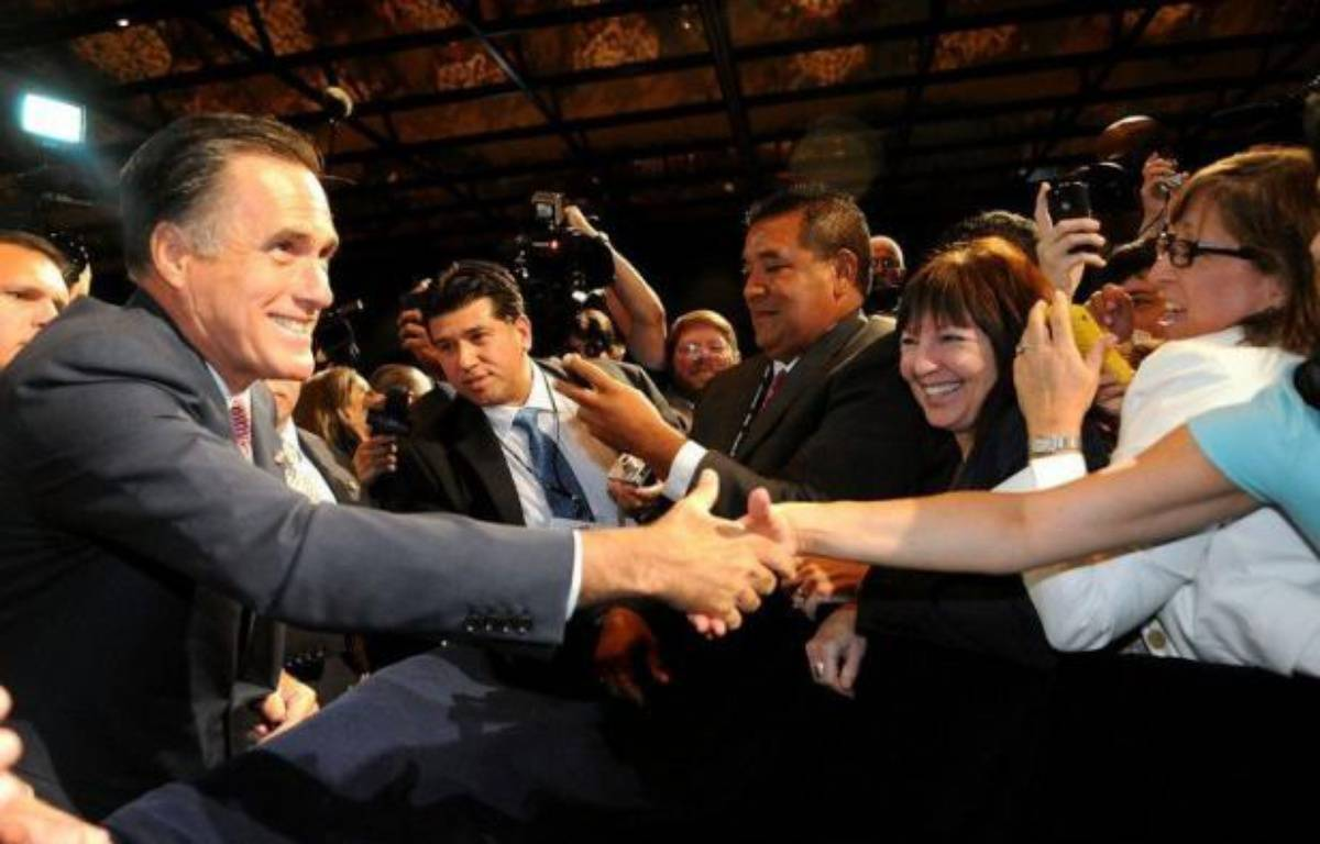 Le candidat républicain à la présidentielle américaine Mitt Romney a accusé jeudi le président Barack Obama d'avoir appauvri la communauté hispanique, lors d'un discours en Floride devant des représentants de cet électorat capital pour le scrutin de novembre. – Gerardo Mora afp.com
