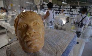 Le 13 octobre 2015 à  Cuernavaca au Mexique, dans une entreprise produisant des masques en latex à l'effigie du narcotrafiquant «El Chapo».