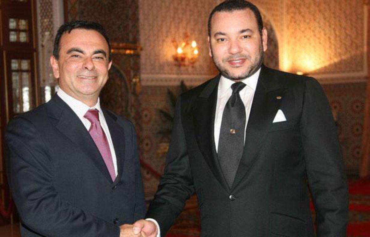 Carlos Ghosn, PDG de Renault,et Mohamed VI, roi du Maroc, ici en 2007, inaugurent ensemble une usine à Tanger ce 9 février 2012 – AP/Sipa