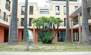 L'Oasis, qui doit son nom à ses palmiers, propose des séjours de 3 mois renouvelables une fois.