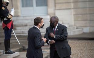 Le président de l'Afrique du Sud, Cyril Ramaphosa, et Emmanuel Macron, à l'Elysée le 17 mai 2021.