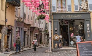 Fin mai, dans le centre-ville de Grasse (Alpes-Maritimes).