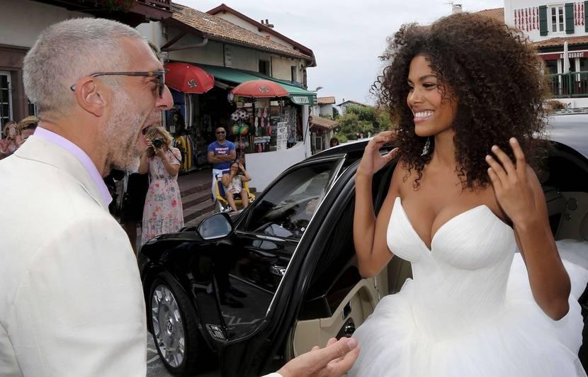 «Femme objet pornifiée», «mariage machiste», «sexclavagiste»\u2026 La mairie où  se sont mariés Vincent Cassel et Tina Kunakey a été vandalisée