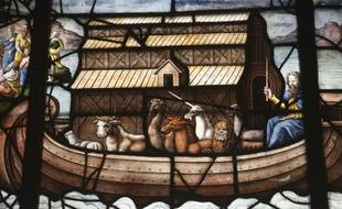 Vitrail de l'Eglise Saint-Etienne du Mont à Paris montrant Noé naviguant sur son Arche