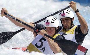 Le duo français Klauss et Péché lors des qualifications en C2, le 30 juillet dernier à Londres (Angleterre).