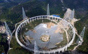 Le plus grand télescope du monde, en construction dans la province du Guizhou, en Chine.