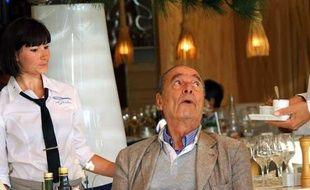 Jacques Chirac en août 2011 à la terrasse du Sénéquier, face au port de Saint-Tropez, restaurant où il a ses habitudes.