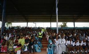 Des Rwandais participent à une cérémonie de commémoration du génocide à Kicukiru le 5 avril 2014