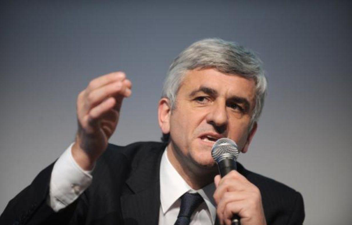 """L'ancien ministre de la Défense, Hervé Morin, estime qu'""""il manque 30 milliards d'euros compte tenu de la crise"""" pour la défense à l'horizon 2020, dans un interview publiée samedi 14 juillet dans Le Parisien. – Frank Perry afp.com"""