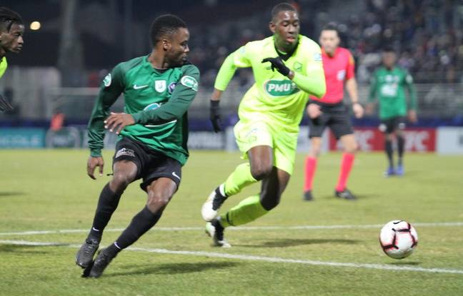 Le milieu récupérateur Francis Kembolo a été le meilleur joueur sur la pelouse lors du seizième de finale entre Sète et Lille