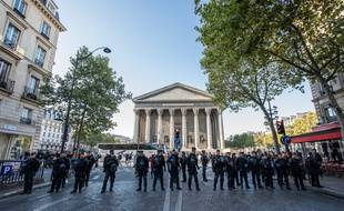 Un cordon de policiers place de la Madeleine, à Paris, en septembre 2019. (illustration)