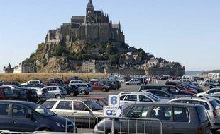 Les parkings situés au pied du Mont-St-Michel, en 2006.