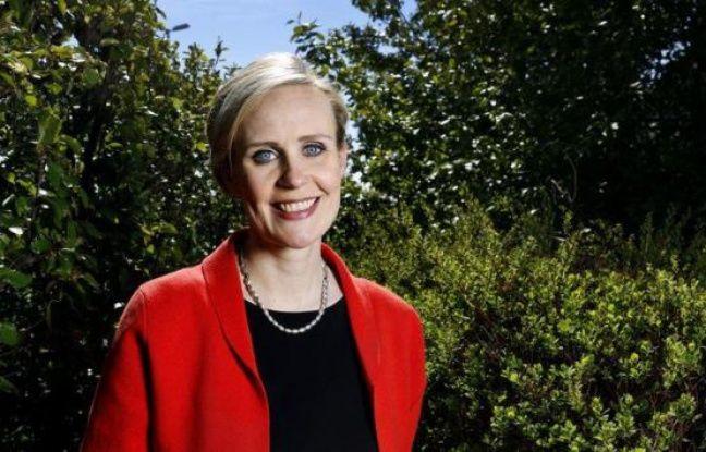 Une jeune mère de famille et présentatrice de télévision sans expérience politique défie le chef de l'Etat sortant Olafur Ragnar Grimsson qui brigue en favori un cinquième mandat, samedi lors de l'unique tour de l'élection présidentielle en Islande.