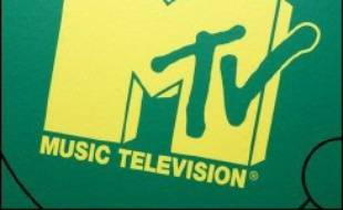 La chaîne musicale câblée MTV (groupe Viacom) et le géant des logiciels Microsoft ont lancé mercredi aux Etats-Unis un nouveau service de musique en ligne baptisé Urge, offrant de télécharger à partir d'un catalogue de 2 millions de chansons.