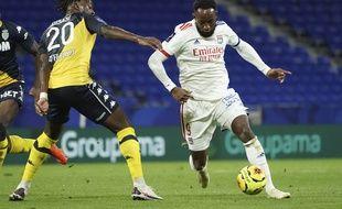 Ici en train d'éviter le défenseur monégasque Axel Disasi, Moussa Dembélé a encore montré son criant manque de confiance, dimanche face à l'ASM (4-1).