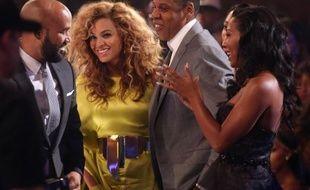 Barack Obama va bientôt participer à une levée de fonds avec le rappeur Jay-Z et son épouse, la chanteuse Beyoncé Knowles, a annoncé jeudi l'équipe de campagne du président des Etats-Unis, en mettant en jeu une place à gagner pour cette soirée à New York.
