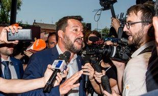 Matteo Salvini, l'homme fort du gouvernement italien et chef de la Ligue, a réclamé jeudi 8 août 2019 des élections anticipées, provoquant une crise politique à l'issue incertaine.