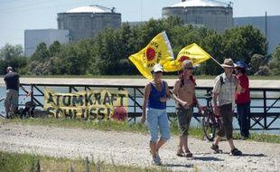 Le Conseil d'Etat a examiné lundi un recours du réseau Sortir du nucléaire visant à empêcher la réalisation à la centrale de Fessenheim (Haut-Rhin) de travaux de renforcement prescrits par l'Autorité de sûreté nucléaire (ASN) pour permettre au site de poursuivre son activité pendant dix ans.