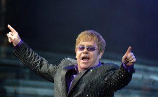 Elton John est un passionné de foot et ex-propriétaire de Watford, en Angleterre.
