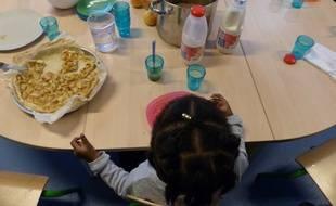 Un petit déjeuner à l'école Paul Eluard d'Orly, le 18/10/2019.