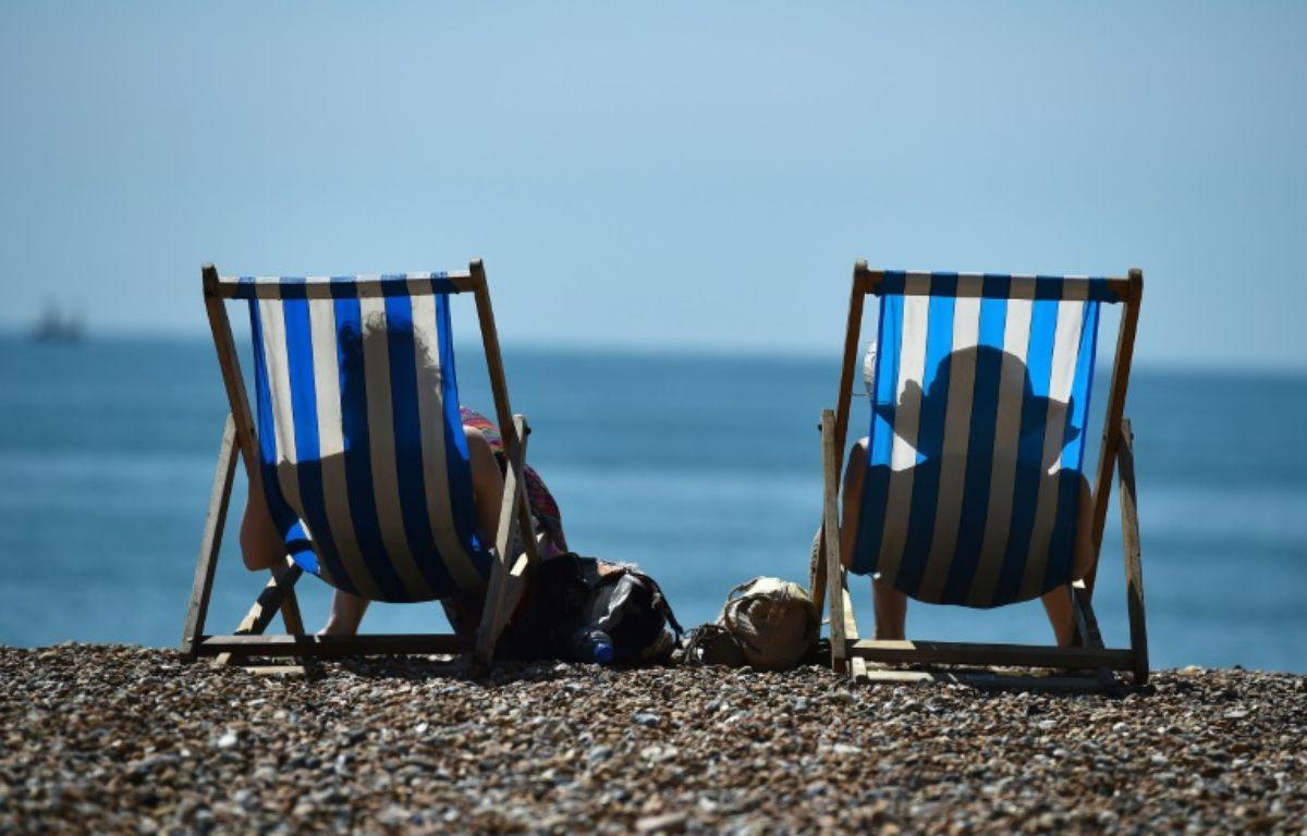 Les crèmes solaires protège des UVB, responsables du vieillissement cutané, et non des UVA, à l'origine des coups de soleil et de cancers dermatologiques. – BEN STANSALL AFP
