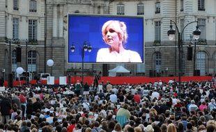 Diffusion d'un opéra en direct et en plein air à Rennes en 2011.