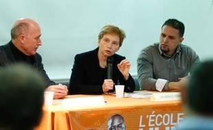 Mourad Benchellali, ancien détenu de la prison de Guantanamo, lors d une conférence de presse avec Laurence Parisot, ancienne présidente du Medef, le 11 mars 2015 à Vénissieux. F. Elsner/ Sipa.