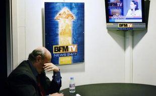Chez BFM TV, on chercheà satisfaire les attentes des CSP+ en prenant l'antenne plus tôt.