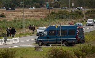 Véhicule de la gendarmerie près du tunnel sous la Manche, en octobre 2015
